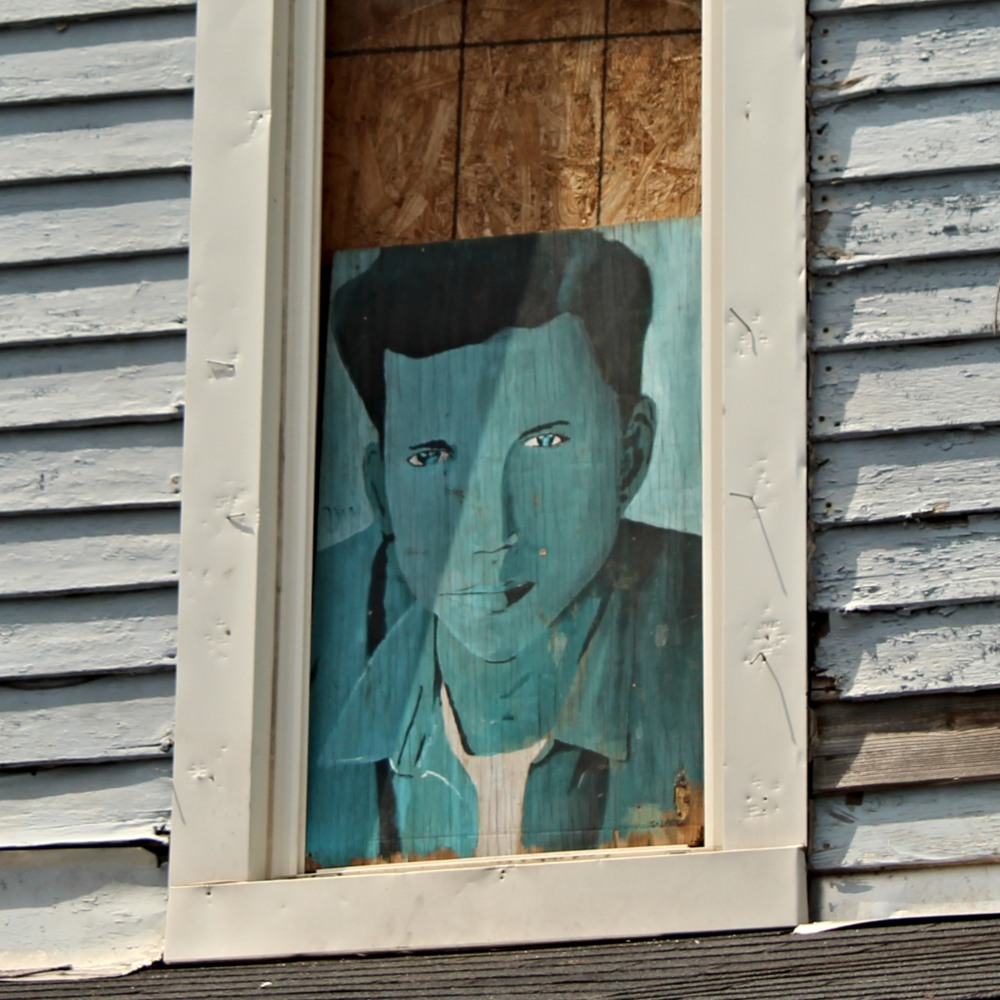 painting on derelict house